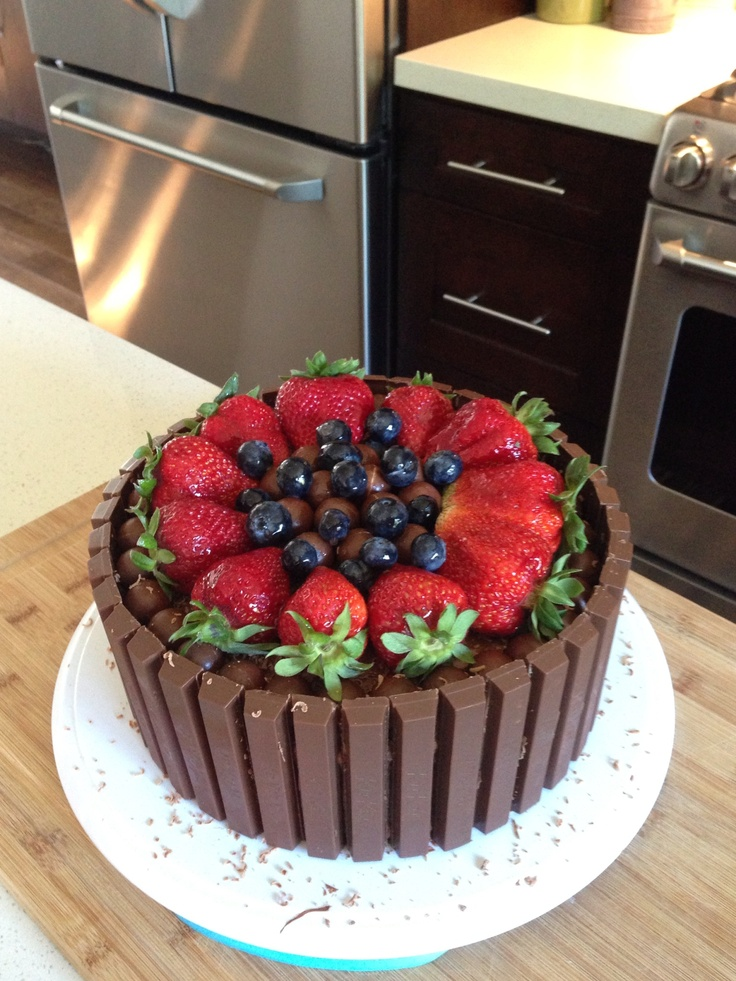 Chocolate Kitkat fruit cake. Can do a mini version with ...
