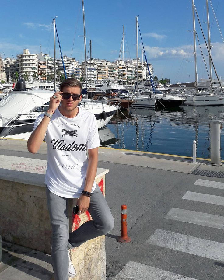 Actor/Model Dimitris Papas in his ARISTOTELI BITSIANI Wisdom Tee! #aristotelibitsiani #bitsianibloggers