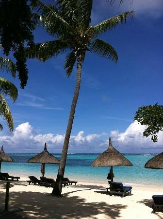 Vue de la plage, paradisiaque (CFI_69, Apr 2013) Le Paradis sur Terre existe bien ! - Paradis Hotel & Golf Club, Mauritius