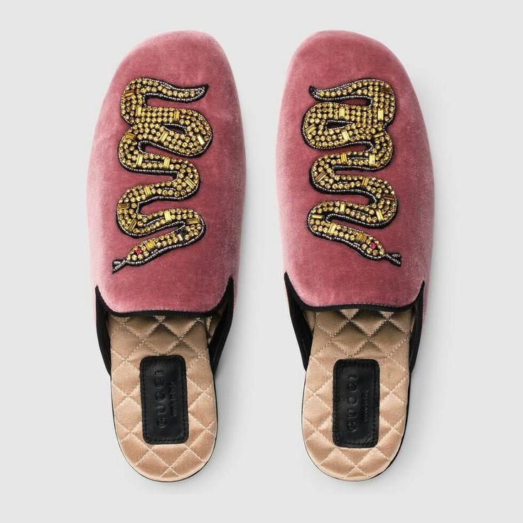 Gucci Velvet evening slipper with snake ...