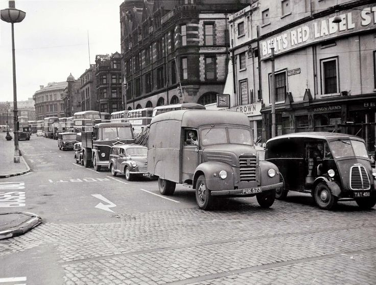 Saint Johns Lane , in the queue for the Mersey tunnel