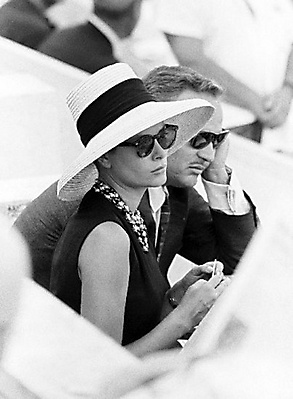 Grace Kelly & Prince Rainier - the hat, sunnies and simple sleeveless A-line dress is the epitome of class and simplicity.
