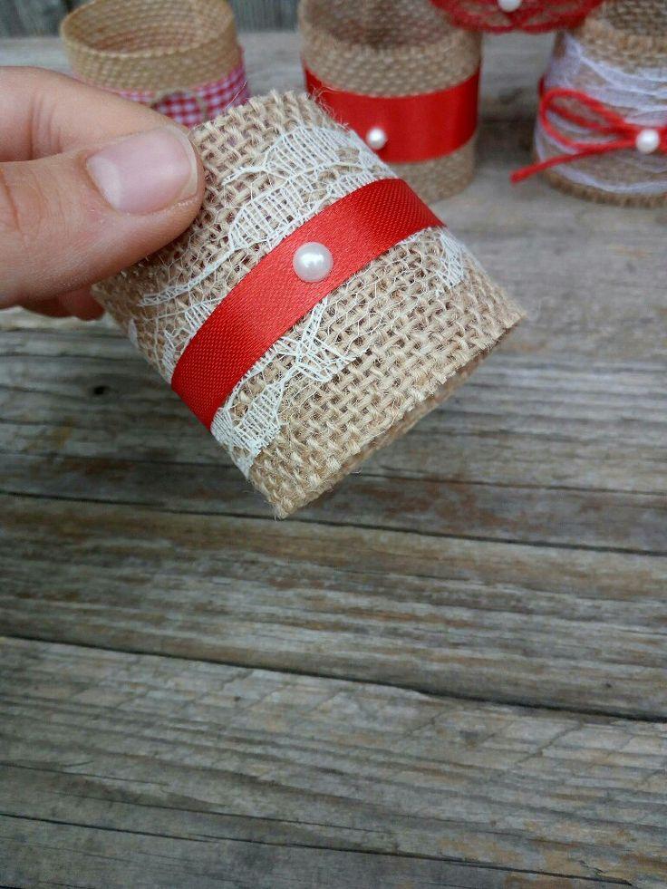 Sono felice di condividere l'ultimo arrivato nel mio negozio #etsy: Christmas napkin ring, Christmas table decoration, rustic christmas ring, christmas winter towel ring, rustic Christmas towel ring http://etsy.me/2z5EsJr