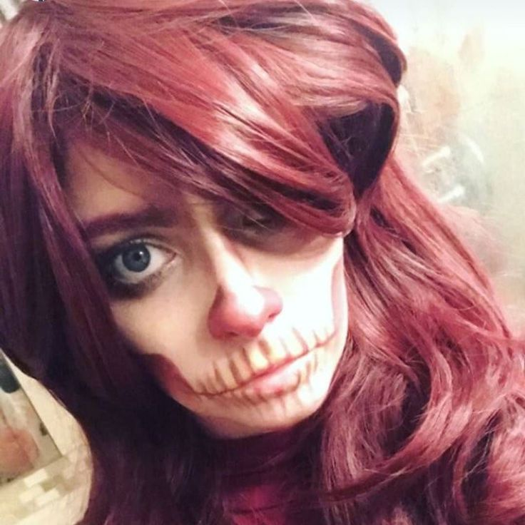 @niamh_gaffers did this beautiful skull look using Fox  pretty spooky!  . . . . . #lushwigs #lushhair #lushwigshalloween #lushwig #lushwigsfox #redwig #mua #halloween #wig