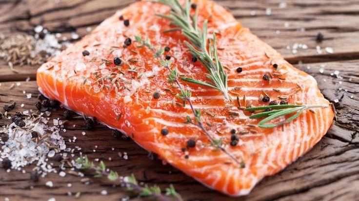 Als nachhaltig denkender Mensch stellt man sich oft die Fragen: Was darf ich noch guten Gewissens essen? Darf ich noch Fisch kaufen? Wir haben die Antworten!
