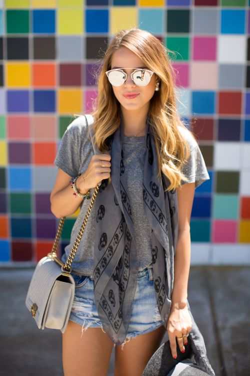 the freshman tee in grey as worn by gal meets glam #currentelliott