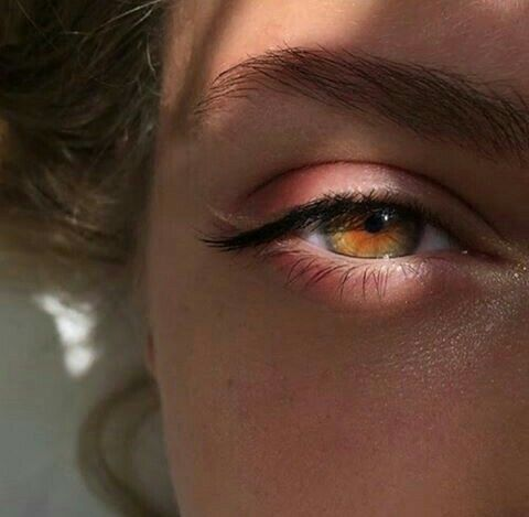 the casiraghis have eyes like this