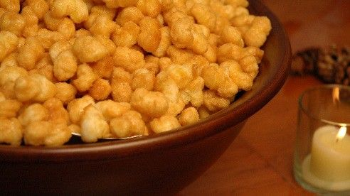 Our Ohio staff tested this recipe using hulless popcorn.
