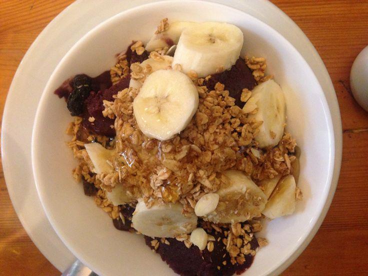 Acai berry breakfast: Carioca, Brixton, London