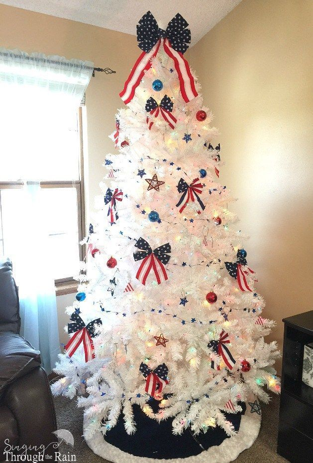 How To Create A Simple And Elegant 4th Of July Tree Patriotic Christmas Tree Patriotic Christmas 4th Of July
