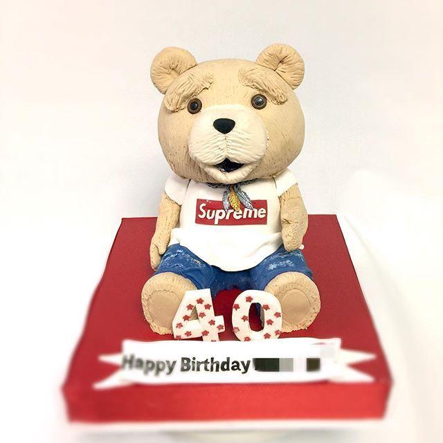 #ted #sculpture #cake #テッド #大好き #supreme #お洒落さん  #ダメージデニム #tシャツ #コーデ #ケーキ #sculptedcake #fondant #cake #ぬいぐるみ #甘い #🐻 #映画何度も #みちゃった #tedcake #ダメなテディベア #テディベア #🎂 #happybirthday!! #癒し