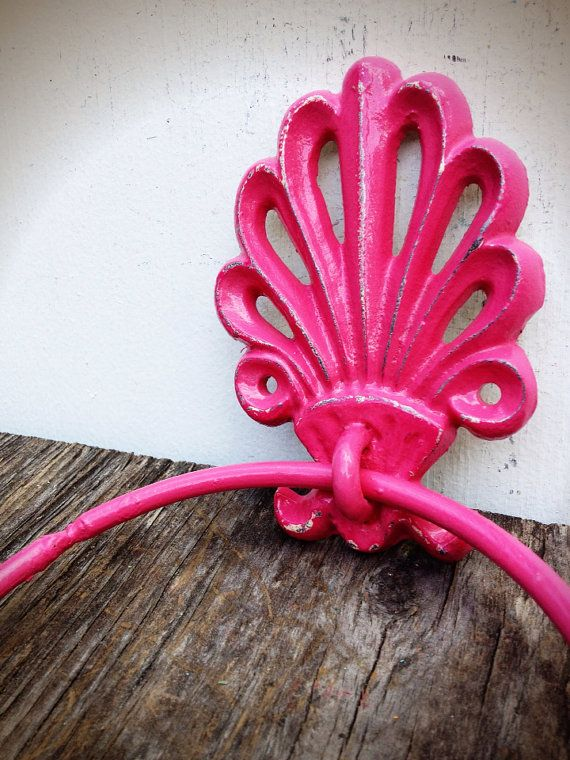 BOLD girly hot pink ornate shell bathroom towel ring // nautical beach tropical towel hanger hook // shabby chic weathered cottage rustic