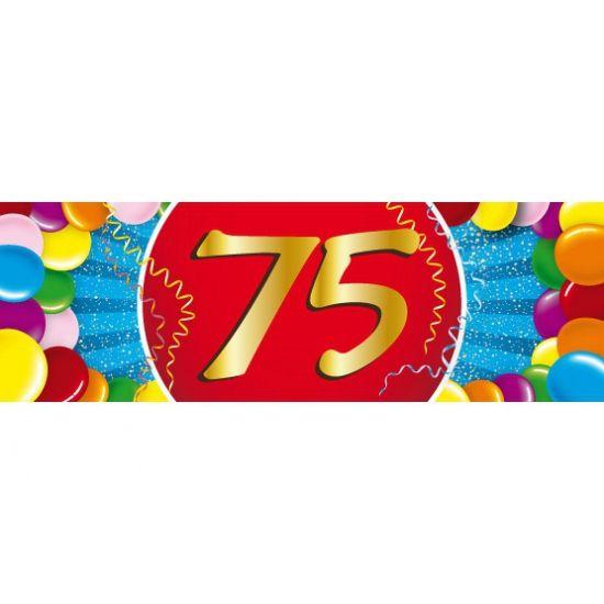 Voor een 75ste verjaardag: 75 jaar sticker. Een vrolijk gekleurde sticker met het cijfer 75. Het formaat van deze sticker is 19,6 x 6,5 cm.