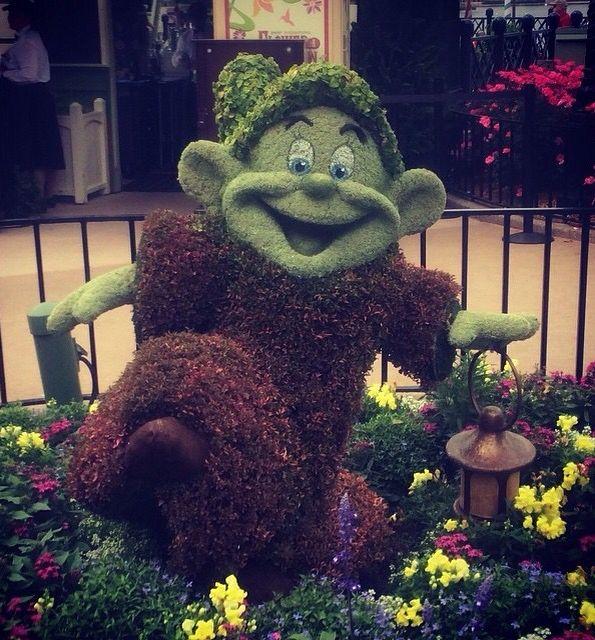 Epcot Flower and Garden 2015 Disney Plant Sculpture Topiary Art Garden