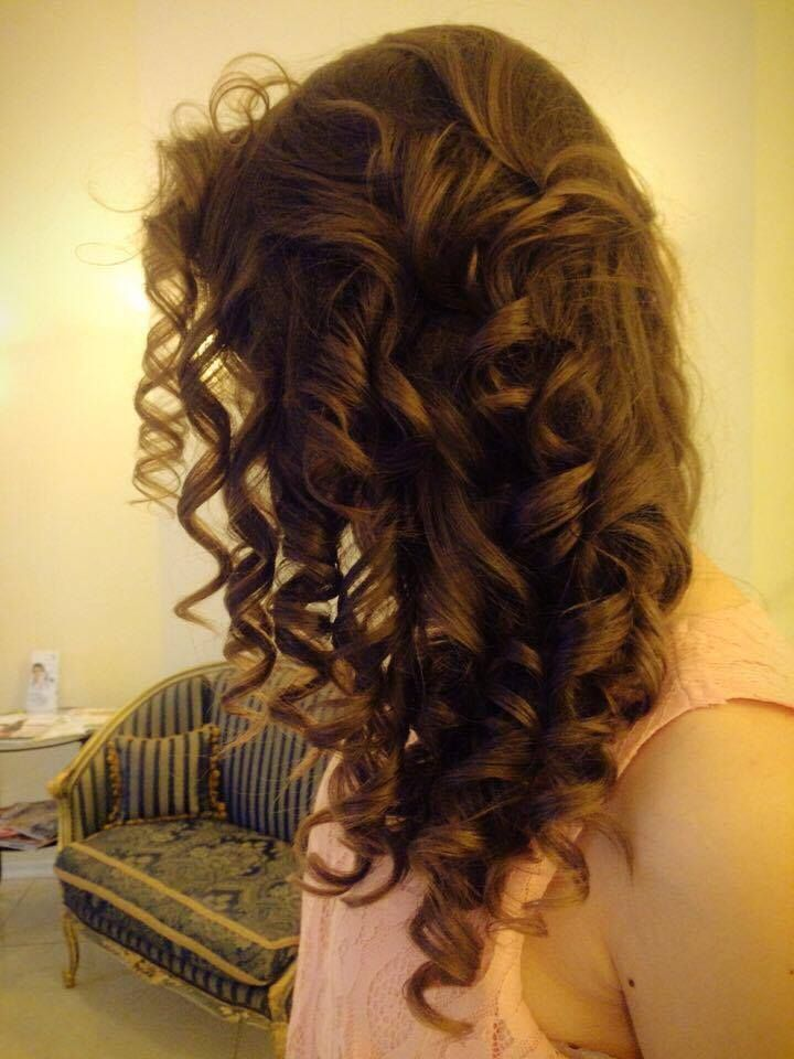 waves & curls by Magda
