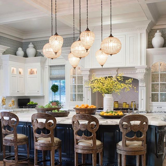 Hidden Hills kitchen for family gatherings. #kitchendesign #kitchen #interiordesign #interiors #jeffandrewsdsgn #roomoftheday