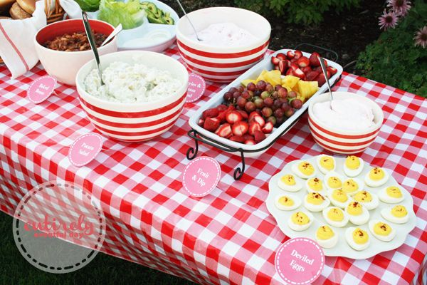 How to create a red and white retro themed barbecue party complete with an old fashioned soda fountain. Adorable free printables! entirelyev...