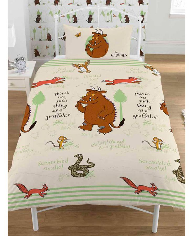 This official reversible The Gruffalo Woodland Single Duvet Cover Set has two great designs to choose from on the duvet cover and pillowcase. Free UK delivery available.