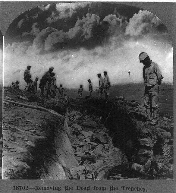 Removing the dead from the trenches,  World War I