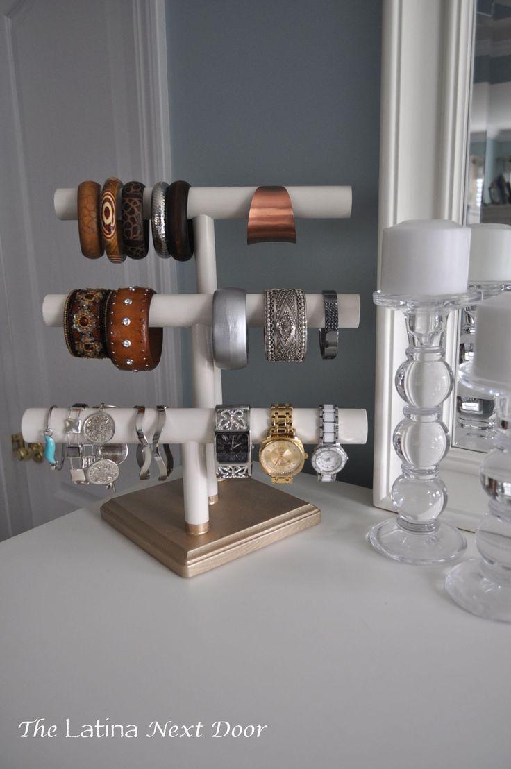 DIY Jewelry Holder 9. http://www.thelatinanextdoor.com/2014/08/19/diy-jewelry-holder/
