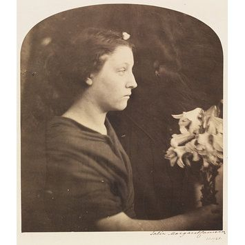 A Vestal by Julia Margaret Cameron, Isle of Wight, 1865. l Victoria and Albert Museum #Photography