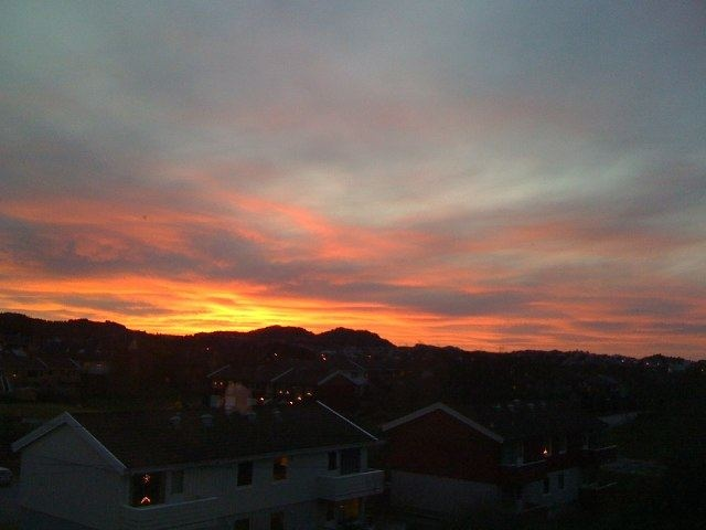 The sky is on fire.. Haugesund, Norway.