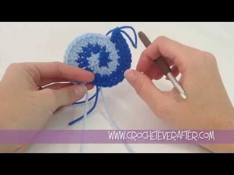 ▶ Two Color Double Crochet Spiral Tutorial - YouTube