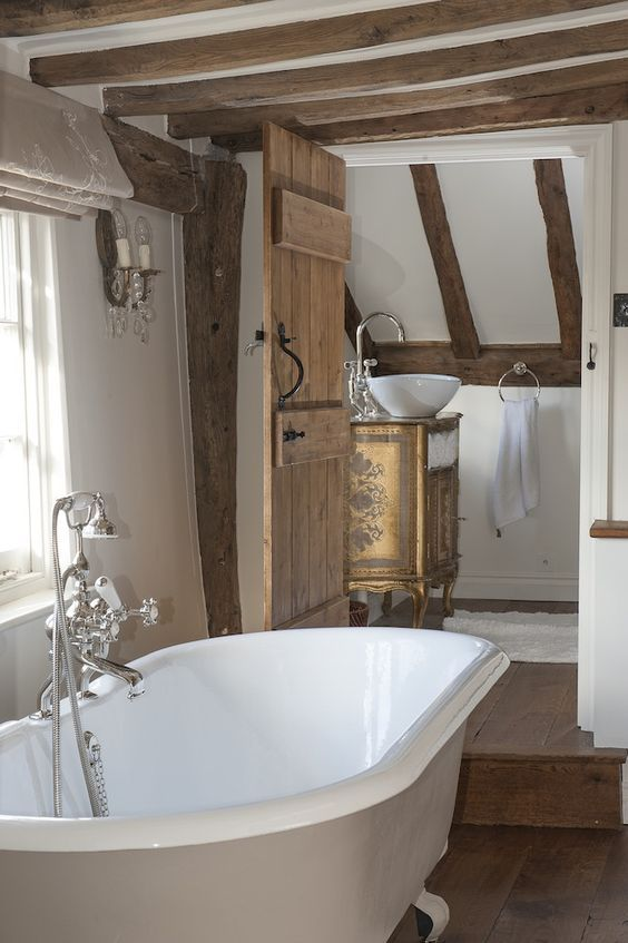 Wooden ceiling beams are excellent if you want to give your bathroom an authentic country look. They also add a sense of character to their surroundings.