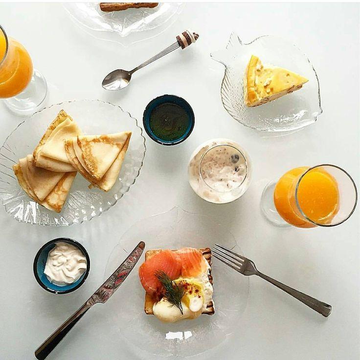 Что у вас чаще всего на завтрак😋? У нас сырники и запеканки, овсянка и йогурты, тосты и оладьи-блинчики... Но знаете о чем важно помнить? О продуктах, которые нам, мамам💪, важны и нужны для красоты, здоровья и суперсилы!  Спросим мнение у специалиста? Нутрициолог и диетолог @vita_anny делиться 5⃣ женскими суперфудами, а Маринка @carapik - чудесным утренним фото  Женский организм постоянно нуждается в подмоге. Полезная и здоровая еда способна поддержать не только наше здоровье, но и…