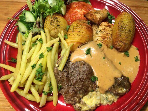 Lövbiff, fylld med goda grönmögelostar efter helgens ostbricka! – Kryddburken