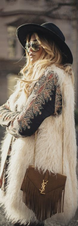 Love this white vest ❤ Boho Style