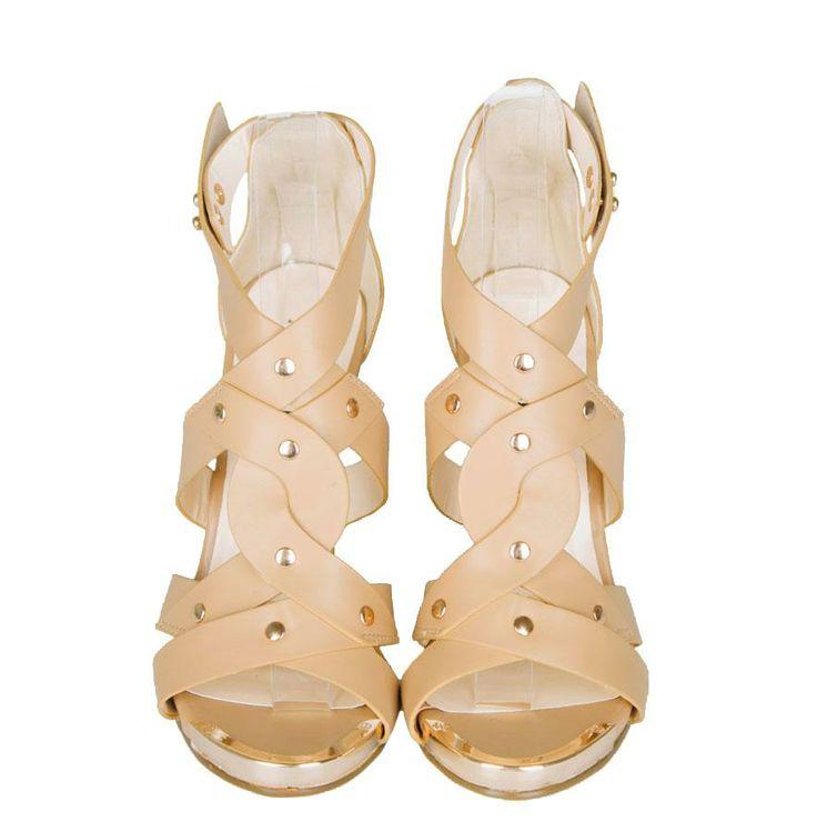 Sandale Dama Covertly Camel  -Sandale dama design cool  -Talpa ortopedica 10cm  -Detaliu tinte aurii  -Sistem de inchidere lateral exterior