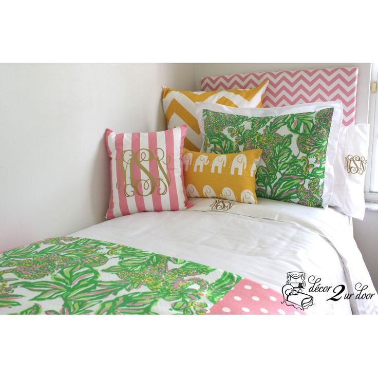 Cute Pillows For Dorm Rooms : 43 best Lilly Pulitzer Bedding and Lilly Dorm Decor images on Pinterest Decorating bedrooms ...