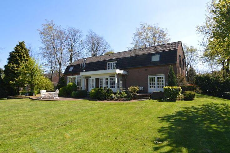 Groot vakantiehuis te huur (10 pers.) Deze recreatiewoning is gelegen in de provincie Noord-Brabant (Gastel) en perfect voor een gezellig weekend ertussenuit.