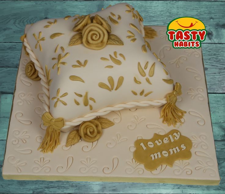 Custom Design Cakes: Roses on a Pillow