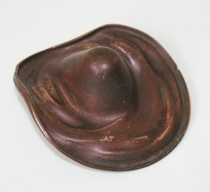 """Vtg c60s copper Mexican cowboy hat ashtray L2⅝"""" x H1"""" (6.6 x 2.4cm)"""