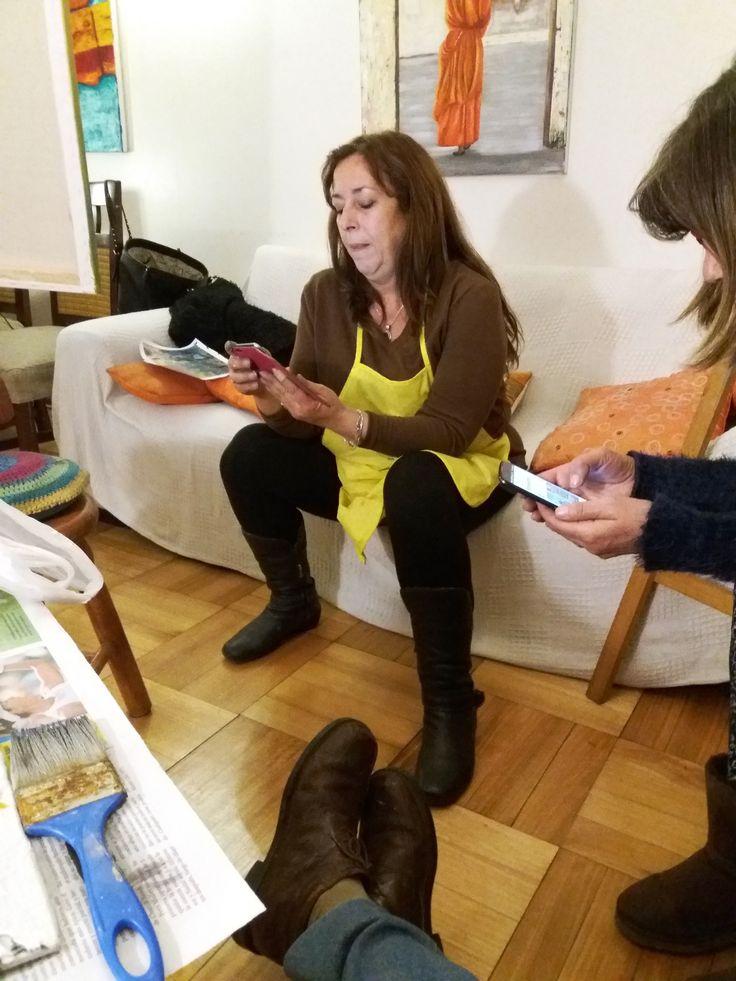 """Viviana y Gema... ¿cómo era el break """"pre-whatsap""""? jajaja será poh!!!"""