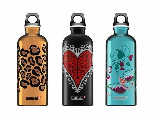 Always on the go, moms need & deserve a really great water bottle. #SIGG #momuniform