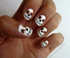 Day of the Dead nails, sugar skull nail art, halloween nail design,
