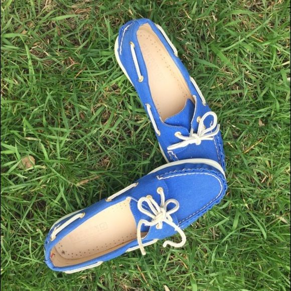 J. Crew Sperry Top- -Sider canvas blue boat shoes Worn a few times but in great condition.  size 8 but fits between an 8 and 8.5. Sperry Top-Sider Shoes