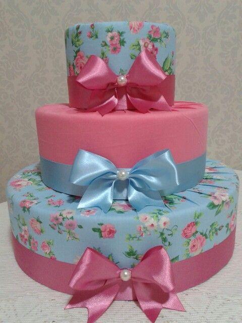 Bolo tecido floral azul e rosa