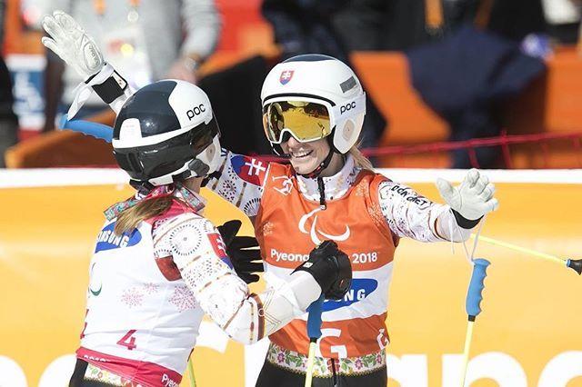 Skvelý začiatok dnešného dňa  Henrieta Farkašova a Natália Šubrtová získali dnes v poslednej disciplíne slalomu striebornú medailu v kategórii žien so zrakovým postihnutím  GRATULUJEMÉ  máme jednoducho SVETOVÝ TÍM