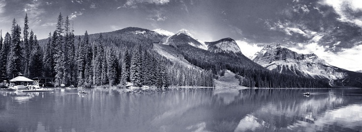 Emerald lake 5pic panorama BW