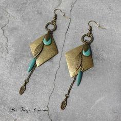 Bijou créateur - boucles d'oreilles bronze pendentifs losanges antiques anneaux breloques pampilles plumes et sequins émaillés turquoise