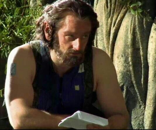 Thorin's amazing arms.... Richard Armitage in 'The Hobbit'