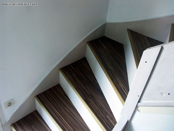 25 best revetement escalier ideas on pinterest for Peut on peindre sur un escalier vitrifie