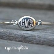 a wonderful monogrammed jewelry site!