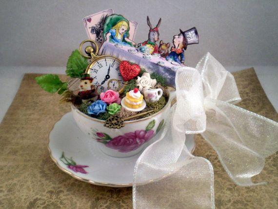 Wunderland Cake Topper Alice im Wunderland von Thefaerywatcher