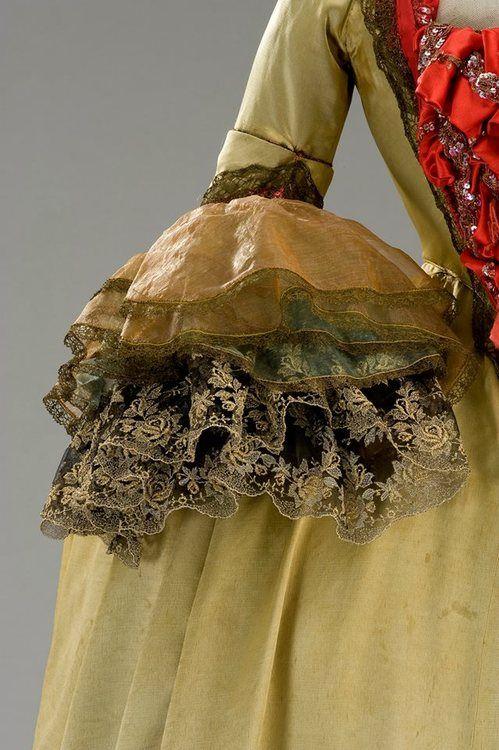 Costume designed by Danilo Donati for an extra in Fellini's Casanova (1978)