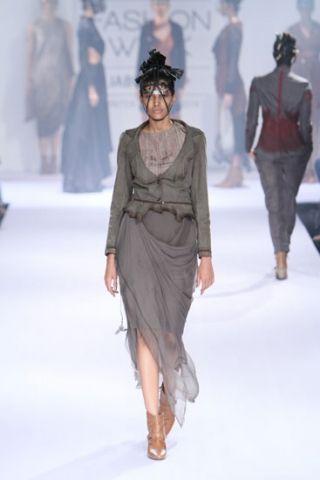 Surbhi Shekhar. LFW A/W 14'. Indian Couture.